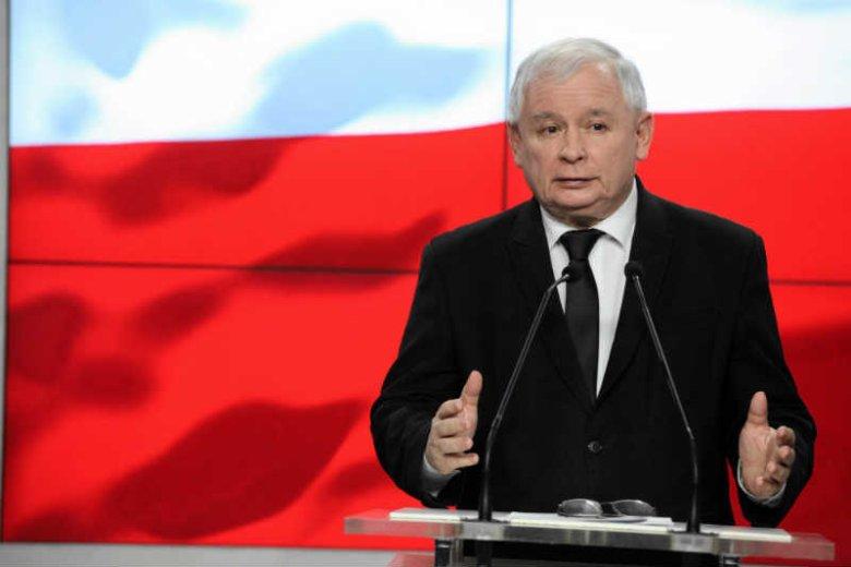 """Jarosław Kaczyński regularnie widuje lekarza prezydenta Dudy – donosi """"SE""""."""