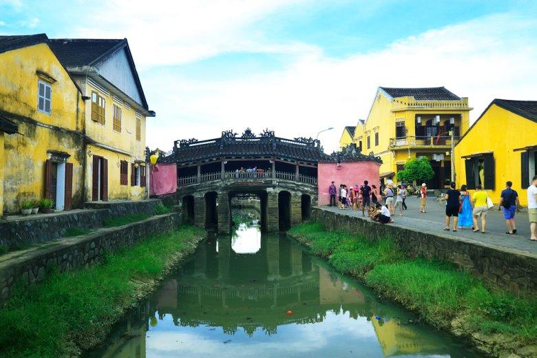 [url=http://shutr.bz/1ha5ka0] Most w zabytkowym mieście Hoi An [/url]