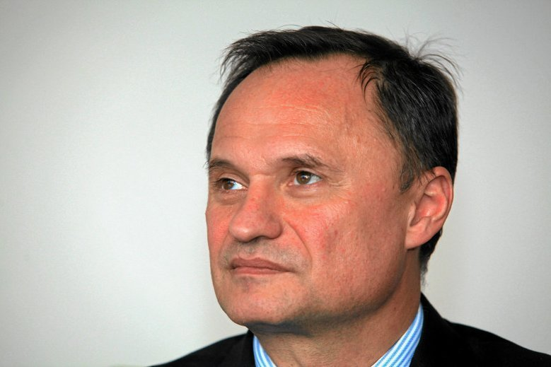 Leszek Czarnecki chce pozwać Polskę za aferę KNF.