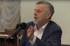 """""""Podczas obrad Okrągłego Stołu komuniści podzielili się władzą z własnymi agentami"""" –stwierdził prof. Andrzej Zybertowicz. Za tę wypowiedź pozywa go grupa opozycjonistów z czasów PRL."""