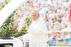 Papież Franciszek znowu zabiera głos w sprawie uchodźców. Ojciec Święty przypomina, że niesienie im pomocy leży u podstaw europejskich wartości.