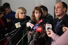 Działacze Kukiz '15 zbierający głosy za referendum zostali dziś zaatakowani w Toruniu
