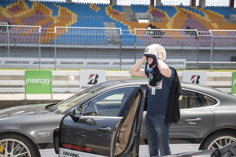 Porsche Driving Center w Stambule to gratka dla każdego, kto lubi sportowe samochody.