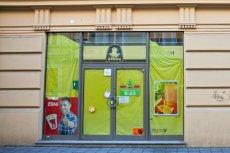 """Sklepy franczyzowe mają być zamknięte we wszystkie niedziele. Inne osiedlowe sklepiki mogą być otwarte - przewiduje projekt """"Solidarności"""""""