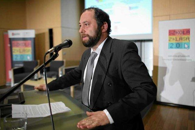 """Prof. Jan Hartman nazywa """"hucpą"""" kampanię przeciwko gender"""
