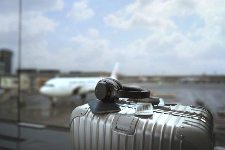 Słuchawki Sony WH1000MX3 to doskonały wybór dla wszystkich podróżujących.
