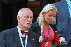 Córka Janusza Korwin-Mikkego została zatrzymana przez policję w Warszawie. Kobieta może odpowiedzieć za posiadania narkotyków oraz prowadzenie auta pod ich wpływem i bez prawa jazdy.