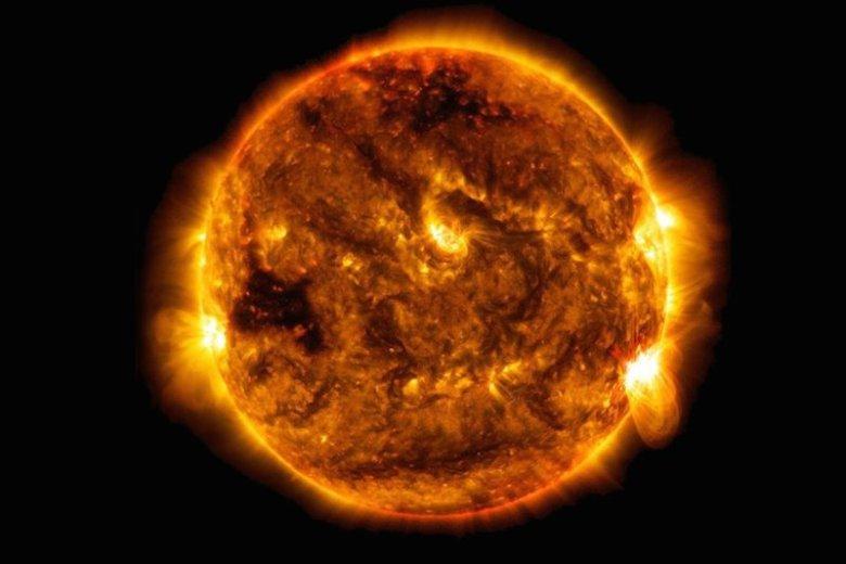 31 lipca lub 1 sierpnia może dojść do burzy słonecznej. Czy jest się czego obawiać?