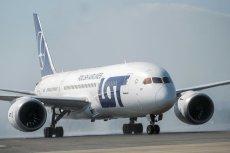Kolejne linie zawieszają loty do Chin, a Poczta Polska przestaje przyjmować przesyłki do tego kraju.
