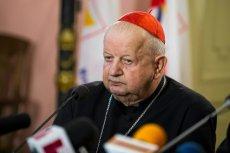 Kard. Stanisław Dziwisz broni Jana Pawła II i odpiera zarzuty o tolerowaniu pedofilii.
