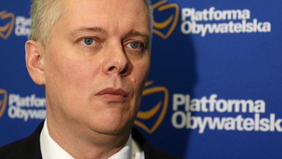 W rozmowie z naTemat.pl Tomasz Siemoniak komentuje tzw. aferę PCK na Dolnym Śląsku i sytuację, w której znalazła się jego minister edukacji narodowej Anna Zalewska.