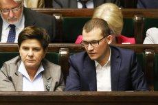 Sekretarz stanu w KPRM Paweł Szefernaker zaskakująco nerwowo zareagował na ofertę władz Warszawy dla niepełnosprawnych wyborców.