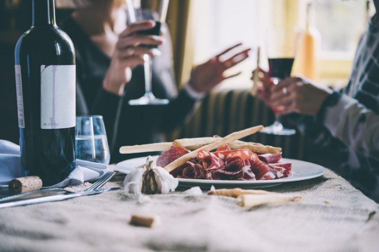 Wino, obok chleba i oliwy, to jedne z pierwszych produktów spożywczych, które wytworzył człowiek.