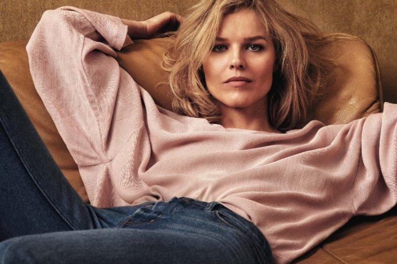"""Bohaterka drugiej okładki """"Vogue Polska"""" jest Eva Herzigova. Czy wzbudzi podobne emocje jak ostatnia?"""