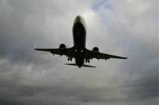 Samolot pasażerski linii lotniczych Ryanair z Krakowa prawie zderzył się z izraelskimi myśliwcami.