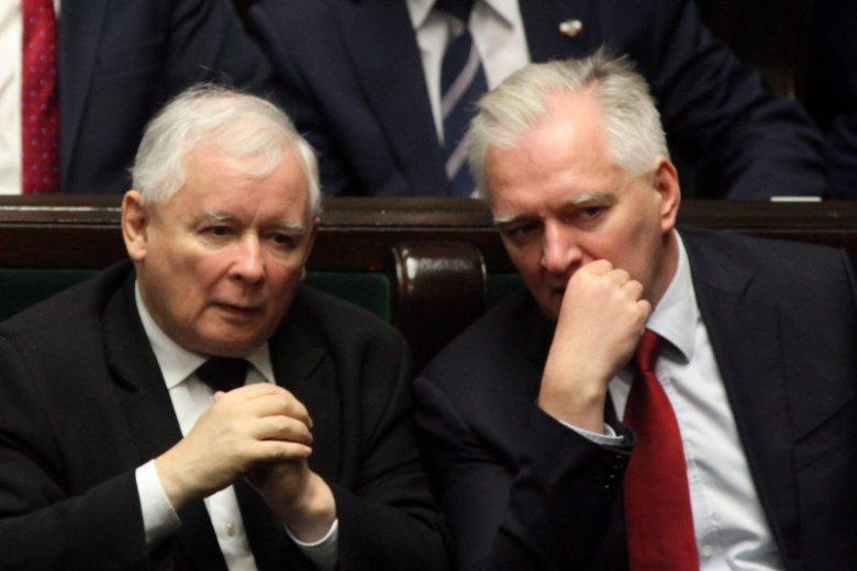 """Jarosław Gowin """"może być postrzegany przez wyborców jako 'człowiek prezesa' i z tym jest mu zapewne niewygodnie""""."""