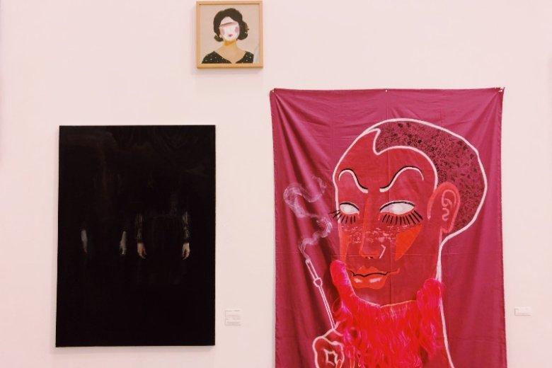 Wystawa skupia sięna malarstwie w różnych formach