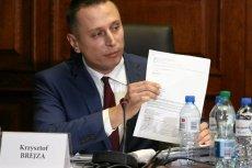 Krzysztof Brejza znowu dopytywał o prace podkomisji smoleńskiej. Dostał kuriozalną odpowiedź z MON.