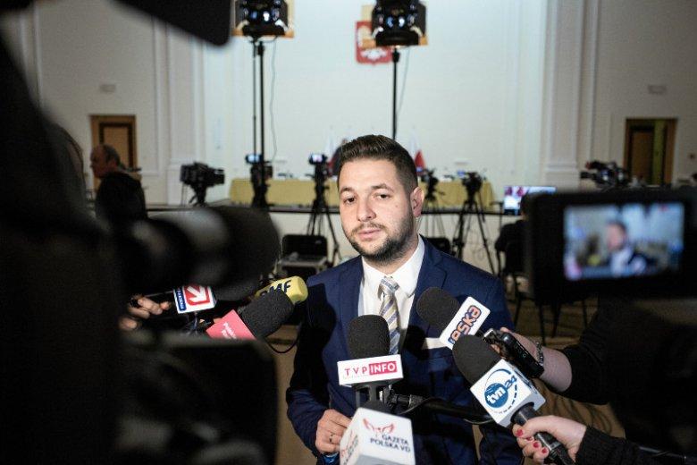 Komisja reprywatyzacyjna z Patrykiem Jakim na czele podjęła decyzję o zwrocie pieniędzy miastu za kamienicę przy Noakowskiego 16.