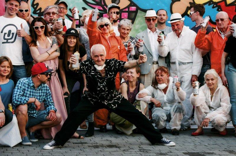 Seniorzy z Dancingu Międzypokoleniowego.