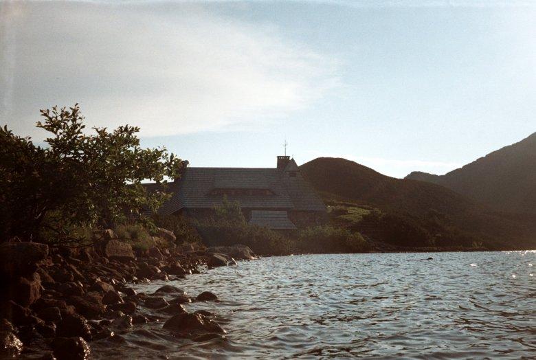Tatry 2015. Schronisko PTTK w Dolinie Pięciu Stawów. Zdjęcie wykonane aparatem analogowym Smiena 8M.