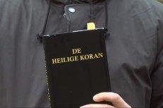 Holenderscy youtuberzy zrobili eksperyment z Koranem.