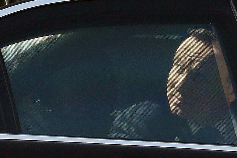 Prokuratura Okręgowa w Opolu umorzyła śledztwo w sprawie pęknięcia opony w limuzynie prezydenta Andrzeja Dudy.