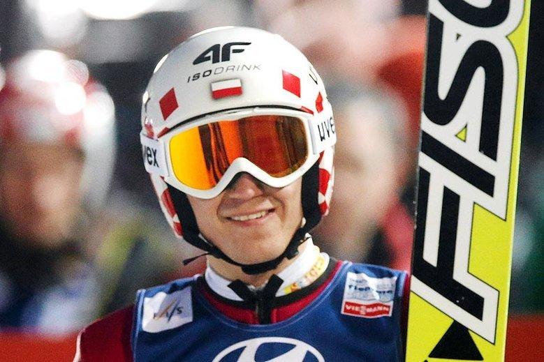 Firma 4F jest m.in. oficjalnym sponsorem dwukrotnego zwycięscy Turnieju Czterech Skoczni Kamila Stocha i innych polskich skoczków narciarskich.