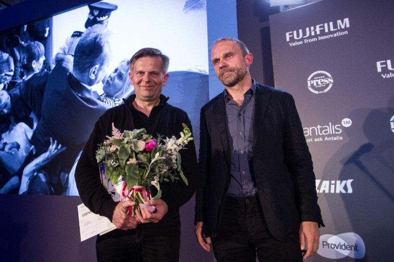 Nagrodę zdjęcia roku odebrał Sławomir Kamiński, autor zdjęcia przedstawiającego protest rodziców i opiekunów osób niepełnosprawnych.