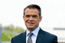 Sławomir Nowak mimo wcześniejszych zapowiedzi nie złożył poselskiego mandatu. A koledzy z PO go bronią