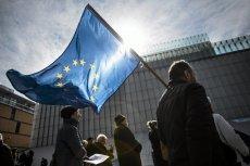 Flaga Unii Europejskiej nie jest w Polsce chroniona prawnie.