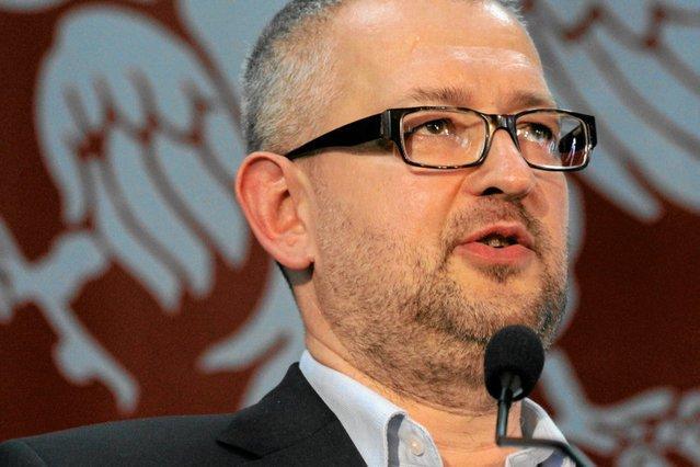 Rafał Ziemkiewicz na Twitterze pisze o  tym, że Antoniego Macierewicza czas zacząć podejrzewać o pederastię.