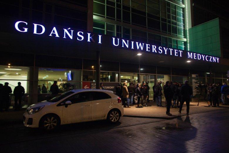 Asystent Pawła Adamowicza po ataku na prezydenta miasta trafiłdo szpitala.