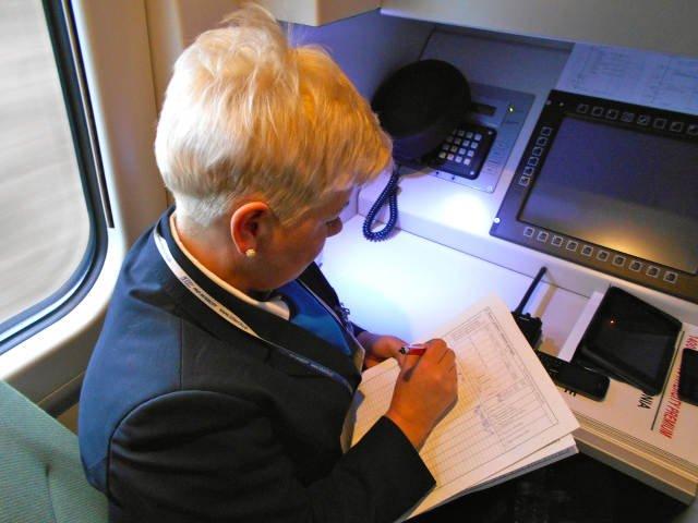 Przedział konduktorski  – centrum dowodzenia kierownika pociągu Pendolino.