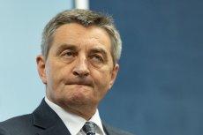 Mimo dymisji Marka Kuchcińskiego z funkcji marszałka, Polacy nie zapomnieli o jego rodzinnych lotach.