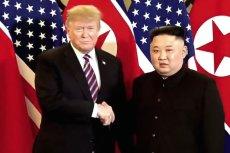 Szczyt Donald Trump-Kim Dzong Un w Wietnamie. Przywódcy wymienili uściski dłoni.