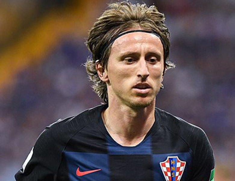 Chorwacki zawodnik przełamał monopol Ronaldo i Messiego na tego typu nagrody.