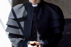 Mężczyzna, który udawał księdza wynajął dla siebie i nieletniej pokój w sanktuarium w Łagiewnikach.