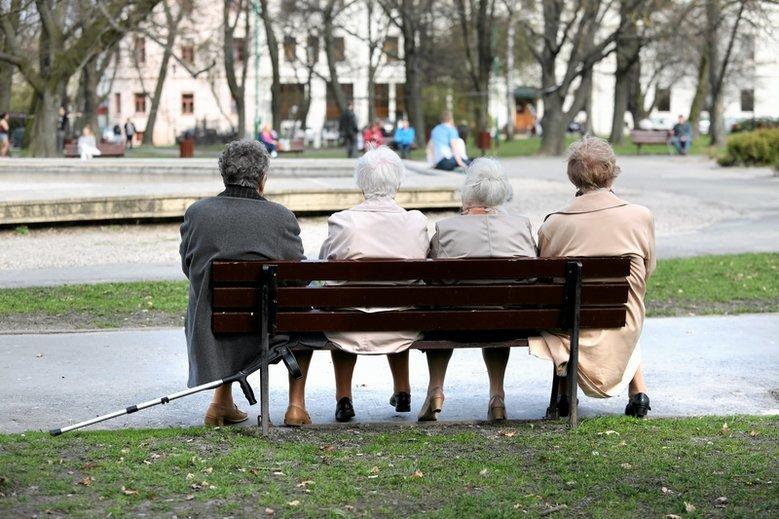66-latki cały czas nie dostały wyrównań swoich emerytur.