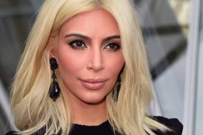 Kim Kardashian uwielbia robic wokół siebie szum – na tym w końcu zarabia. Kiedy z brunetki stała się seksowną platynową blondynką wszyscy chcieli nosić taki kolor jak ona