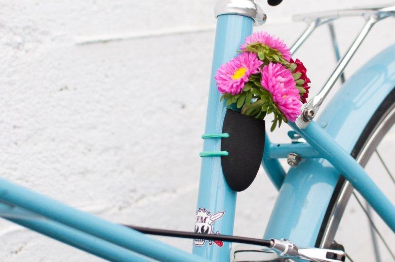 Rower ozdobiony w ten sposób z pewnością pozytywnie wyróżni się wśród innych.