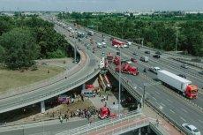 Kierowca autobusu nr 186, który doprowadził do wypadku na trasie S8 w Warszawie, by pd wpływem amfetaminy.