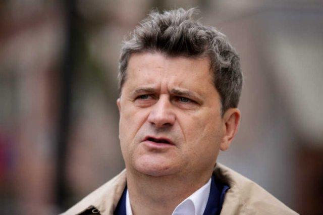 Janusz Palikot przekonuje, że wreszcie wie, gdzie jest granica, której nie można przekraczać w walce z przywilejami kleru.