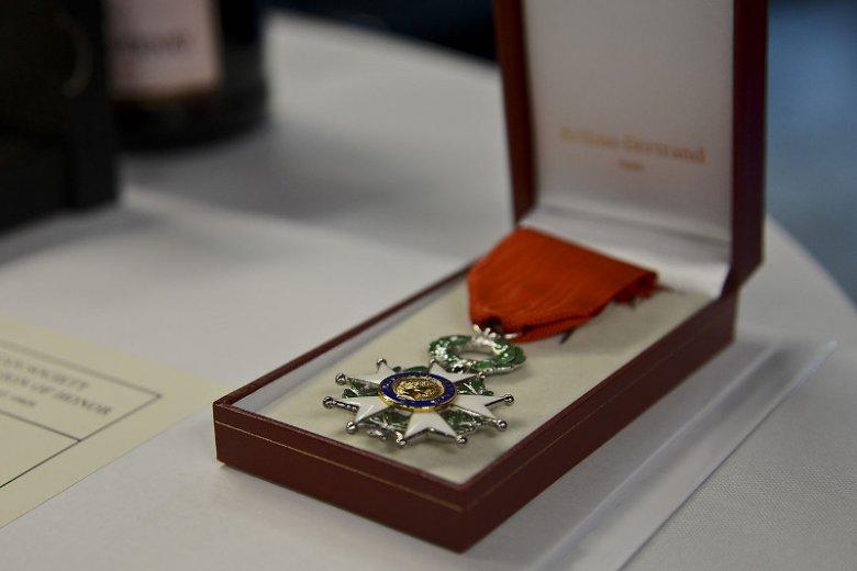 Legia Honorowa to najwyższe odznaczenie nadawane przez francuskie państwo zarówno cywilom, jak i wojskowym, także cudzoziemcom