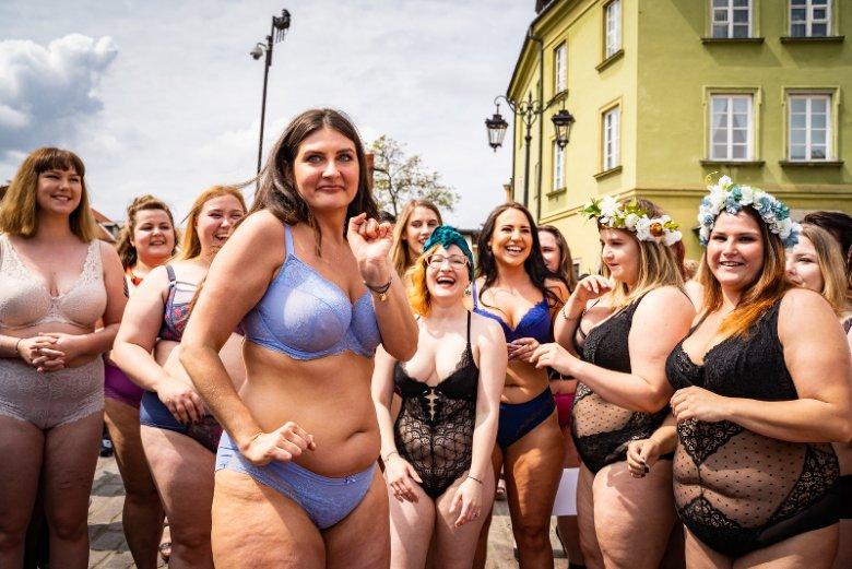 Zuzanna Zakrzewska przekonuje, że pokaz nie miał nic wspólnego z promowaniem otyłości. Chodzi wyłącznie o akceptację siebie.