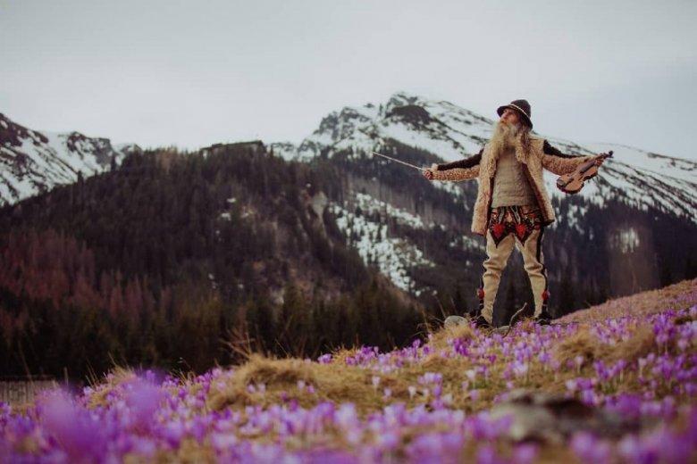 Po przejrzeniu profilu Goorala aż chce się jechać w góry. To działa!