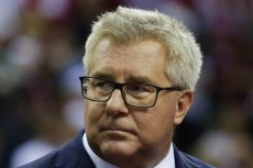 Ryszard Czarnecki przestrzega Donalda Tuska przed sromotną porażką z Andrzejem Dudą w wyborach prezydenckich.