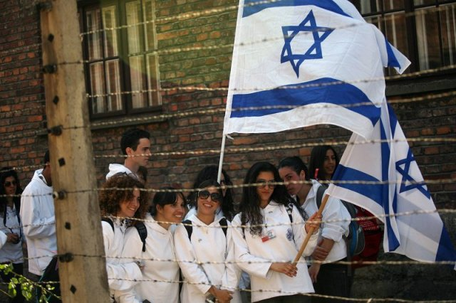 Wycieczki młodzieży izraelskiej do Polski budzą sporo kontrowersji