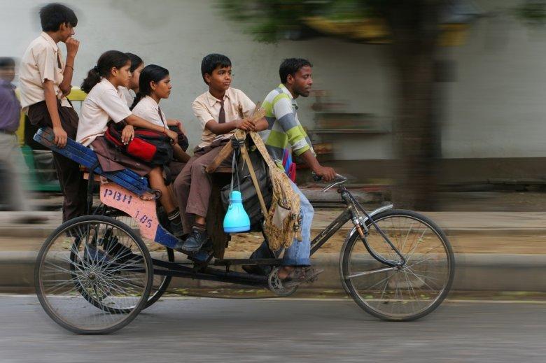 [url=http://shutr.bz/NTrJRj] Cała rodzina jedzie jednym rowerem [/url]