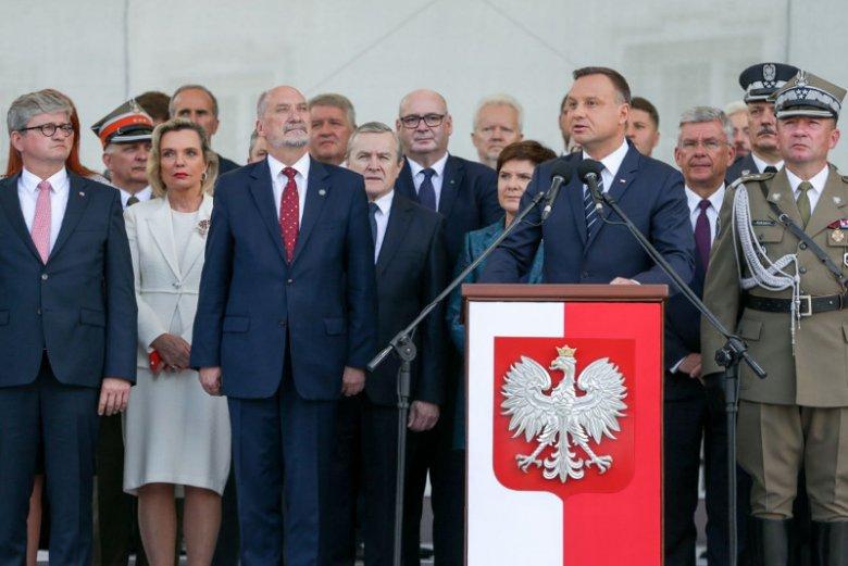 Prezydent nie szczędził dziś w swoim przemówieniu przytyków pod adresem Antoniego Macierewicza.
